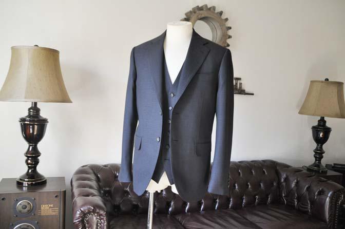 DSC0497-3 お客様のスーツの紹介- CARLO BARBERAネイビーグレーチェック スリーピース-