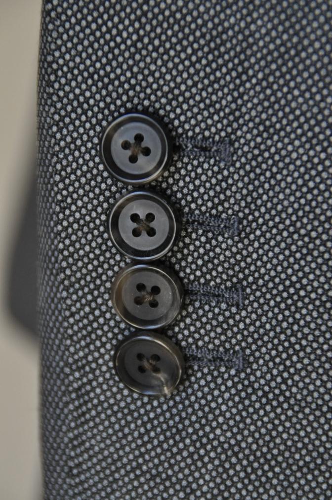 DSC04971 お客様のスーツの紹介-HOLLAND&SHERRY グレーバーズアイスリーピース-