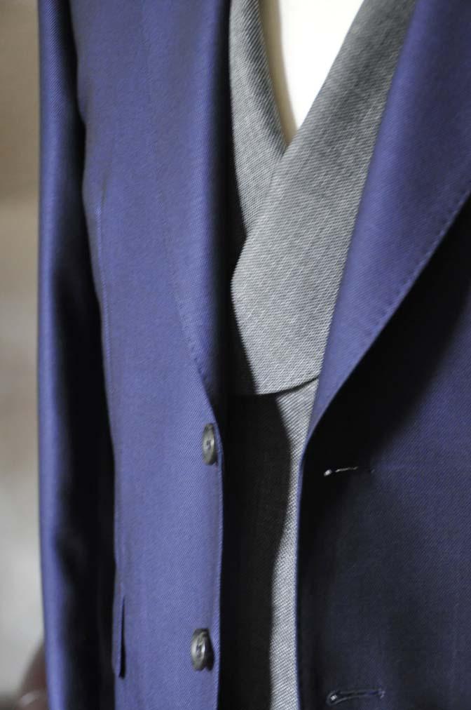 DSC0502-2 お客様のウエディング衣装の紹介-Biellesi ネイビースーツ グレーバーズアイ襟付きダブルベスト ホワイトベスト- 名古屋の完全予約制オーダースーツ専門店DEFFERT