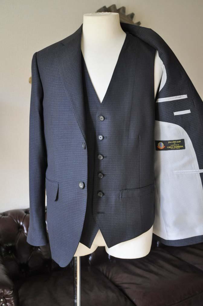 DSC0509-3 お客様のスーツの紹介- CARLO BARBERAネイビーグレーチェック スリーピース-