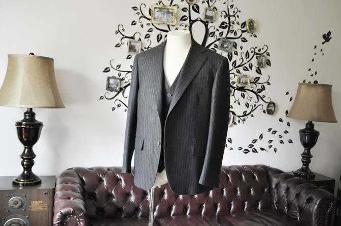 DSC0512-5 お客様のスーツの紹介-DORMEUIL British Collectionグレーフランネルスリーピース-