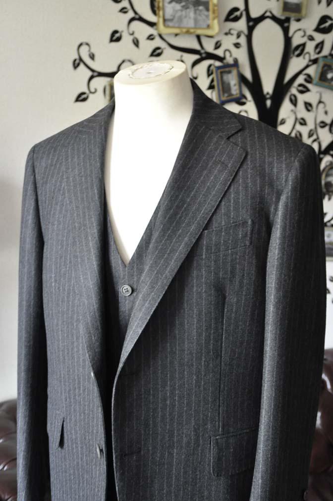 DSC0515-2 お客様のスーツの紹介-DORMEUIL British Collectionグレーフランネルスリーピース-