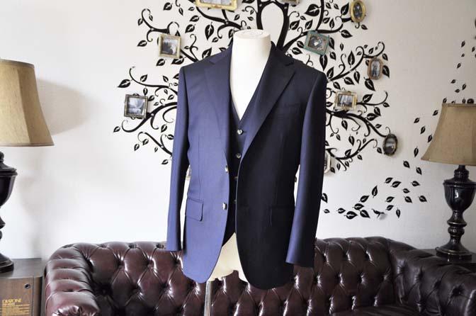 DSC0516-4 お客様のスーツの紹介-Biellesiネイビーヘリンボーン  スリーピーススーツ-