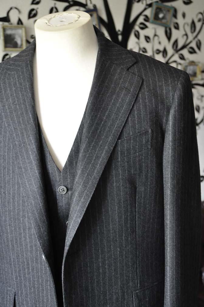 DSC0516-5 お客様のスーツの紹介-DORMEUIL British Collectionグレーフランネルスリーピース-