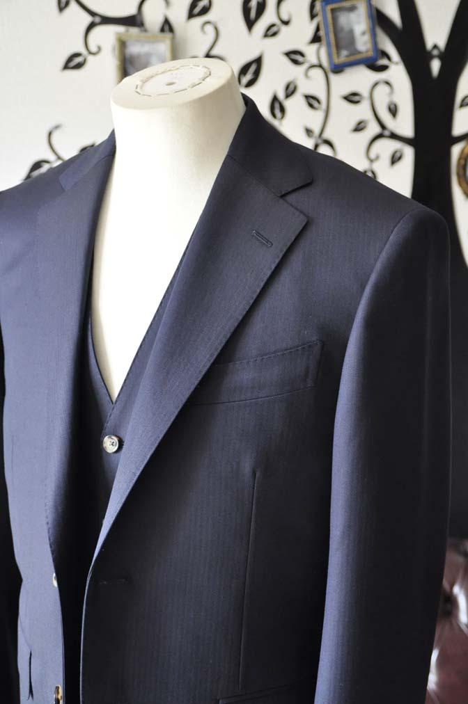 DSC0518-5 お客様のスーツの紹介-Biellesiネイビーヘリンボーン  スリーピーススーツ-