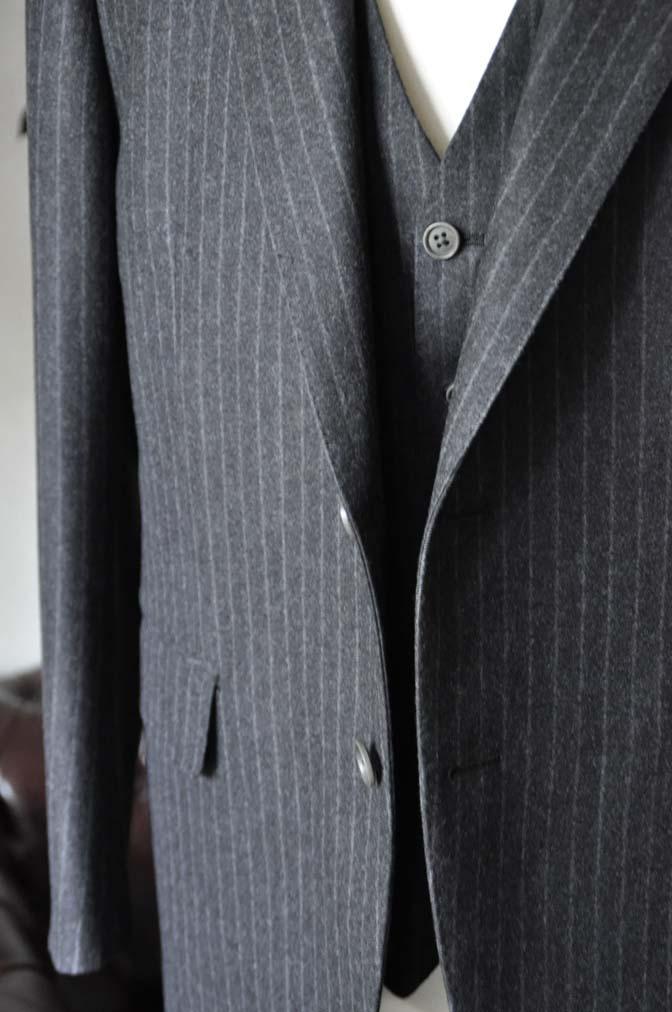DSC0518-6 お客様のスーツの紹介-DORMEUIL British Collectionグレーフランネルスリーピース-