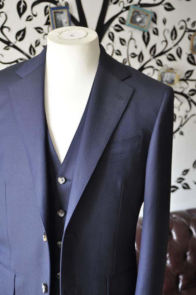 DSC0519-2 お客様のスーツの紹介-Biellesiネイビーヘリンボーン  スリーピーススーツ-