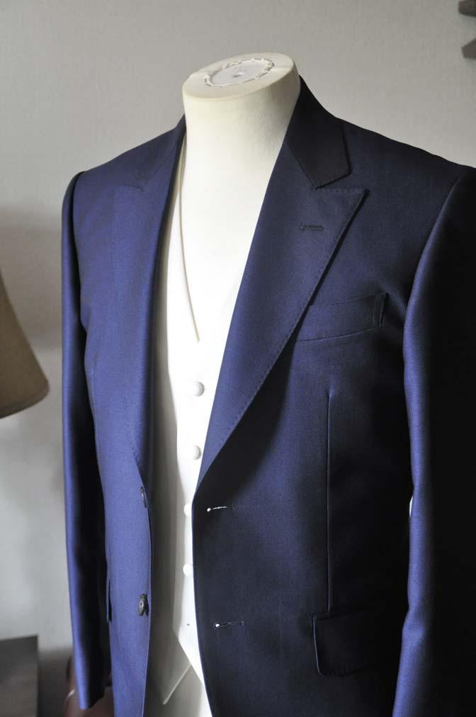 DSC0521-3 お客様のウエディング衣装の紹介-Biellesi ネイビースーツ グレーバーズアイ襟付きダブルベスト ホワイトベスト-DSC0521-3 お客様のウエディング衣装の紹介-Biellesi ネイビースーツ グレーバーズアイ襟付きダブルベスト ホワイトベスト- 名古屋市のオーダータキシードはSTAIRSへ