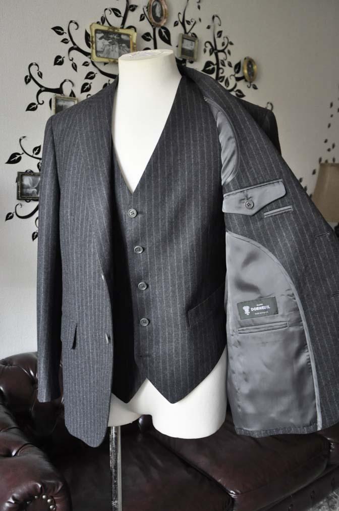 DSC0522-4 お客様のスーツの紹介-DORMEUIL British Collectionグレーフランネルスリーピース-