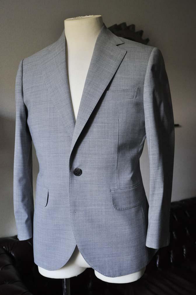 DSC0524-4 お客様のスーツの紹介-ライトグレースーツ- 名古屋の完全予約制オーダースーツ専門店DEFFERT