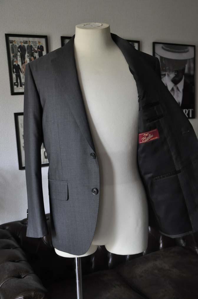 DSC05252 お客様のスーツの紹介-Biellesi グレーストライプ- 名古屋の完全予約制オーダースーツ専門店DEFFERT