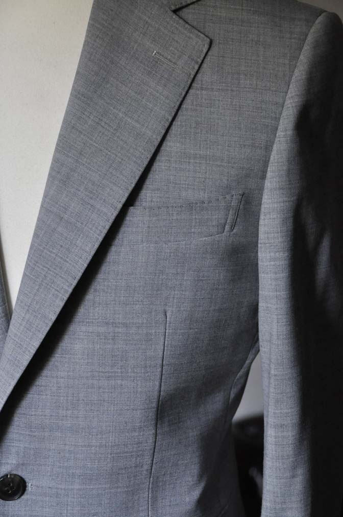 DSC0527-1 お客様のスーツの紹介-ライトグレースーツ- 名古屋の完全予約制オーダースーツ専門店DEFFERT