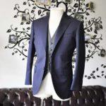 お客様のウエディング衣装の紹介- Biellesiネイビースーツ グレーバーズアイベスト-
