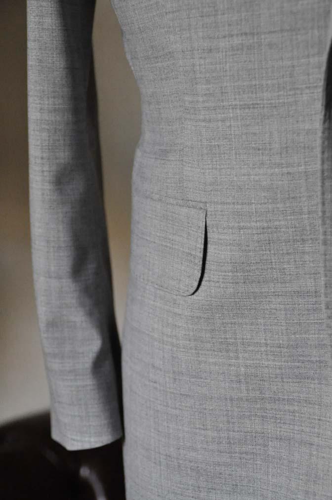 DSC0529-2 お客様のスーツの紹介-ライトグレースーツ- 名古屋の完全予約制オーダースーツ専門店DEFFERT