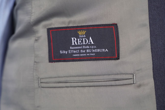 DSC05315 オーダースーツの紹介-REDA無地ネイビー スーツ-