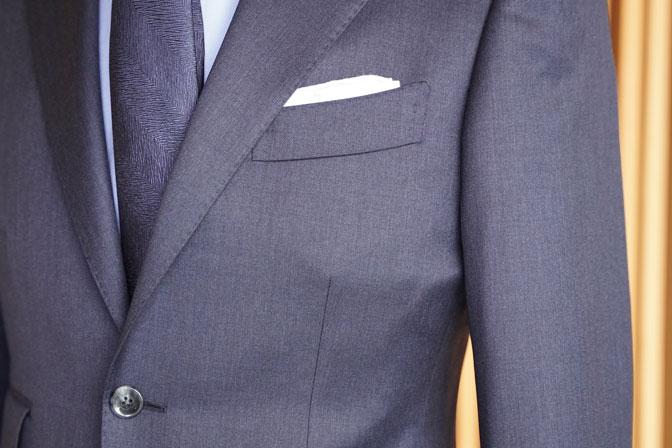 DSC05317 オーダースーツの紹介-REDA無地ネイビー スーツ-