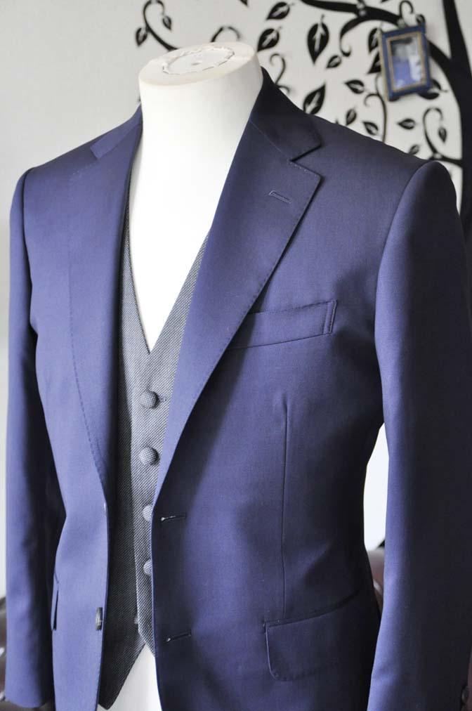 DSC0532-4 お客様のウエディング衣装の紹介- Biellesiネイビースーツ グレーバーズアイベスト- 名古屋の完全予約制オーダースーツ専門店DEFFERT