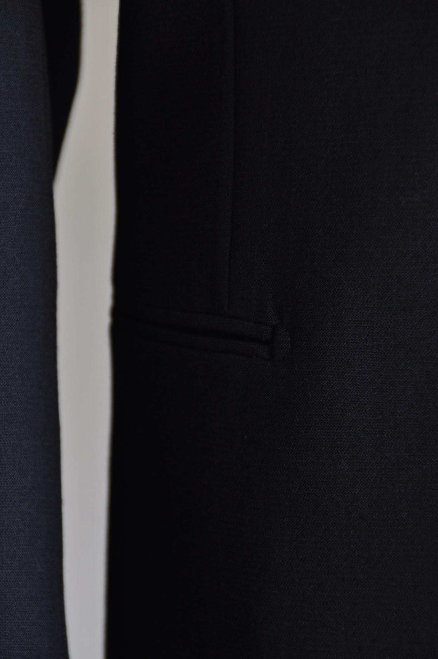 DSC0533 オーダースーツ- ブラックスリーピーススーツ-