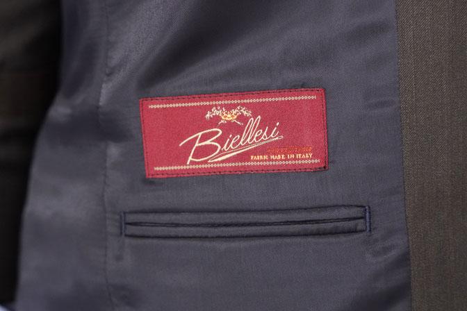 DSC05333 オーダースーツの紹介-Biellesi無地ブラウンスーツ-