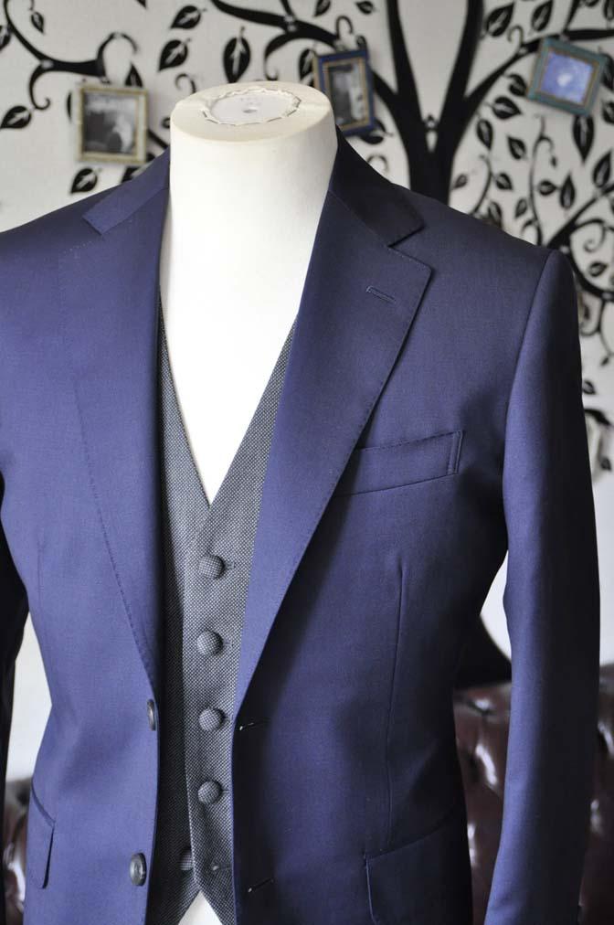DSC0534-4 お客様のウエディング衣装の紹介- Biellesiネイビースーツ グレーバーズアイベスト-