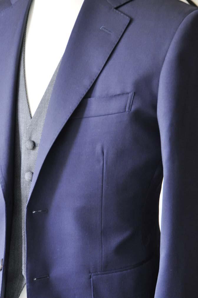 DSC0536-5 お客様のウエディング衣装の紹介- Biellesiネイビースーツ グレーバーズアイベスト-