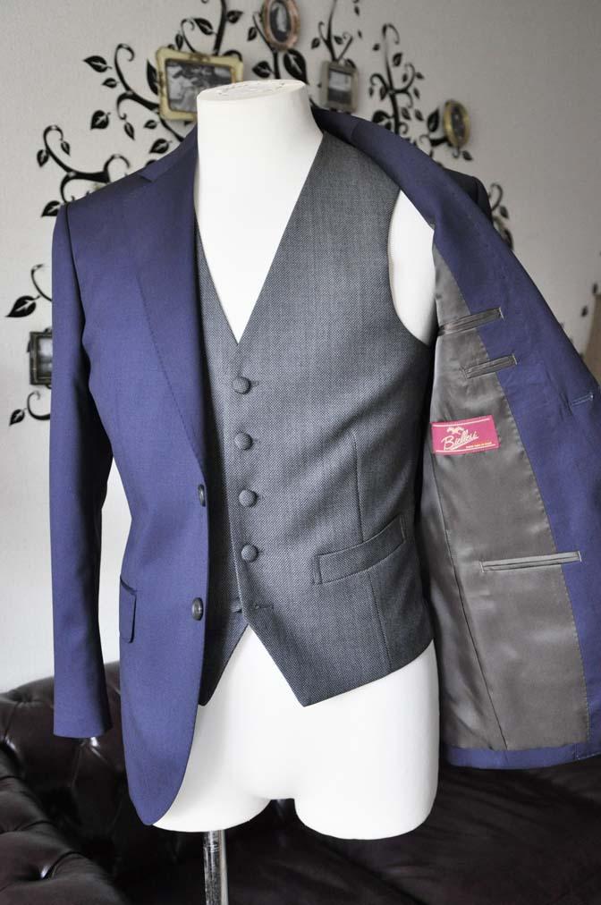 DSC0541-3 お客様のウエディング衣装の紹介- Biellesiネイビースーツ グレーバーズアイベスト-