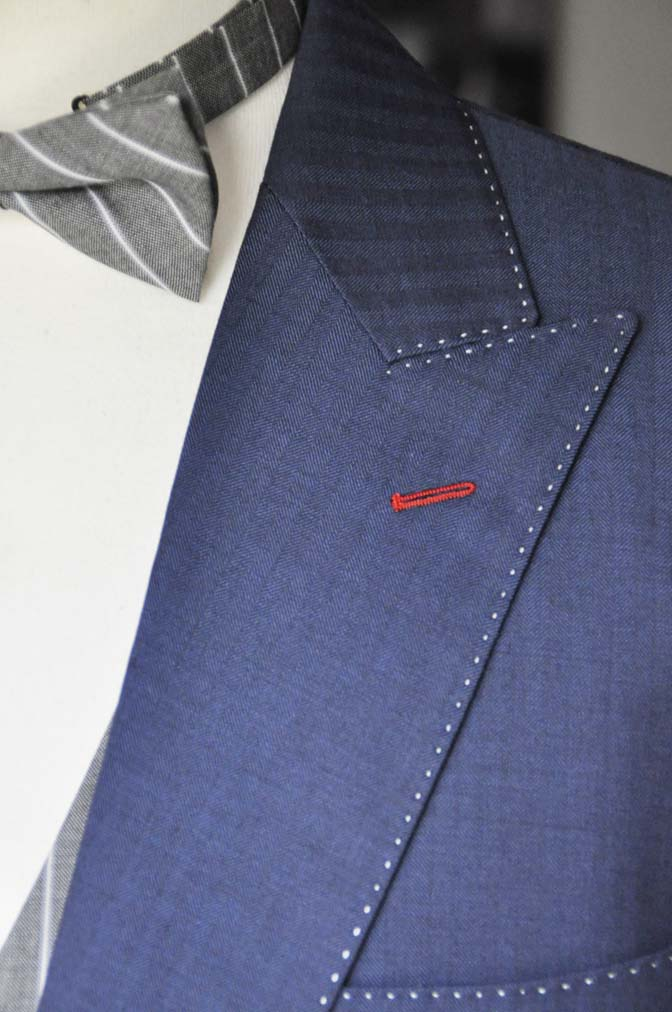 DSC05411 お客様のウエディング衣装の紹介-Biellesiネイビーヘリンボーン-