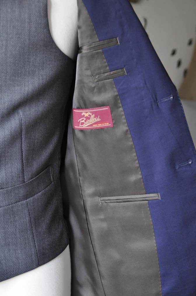 DSC0542-2 お客様のウエディング衣装の紹介- Biellesiネイビースーツ グレーバーズアイベスト-