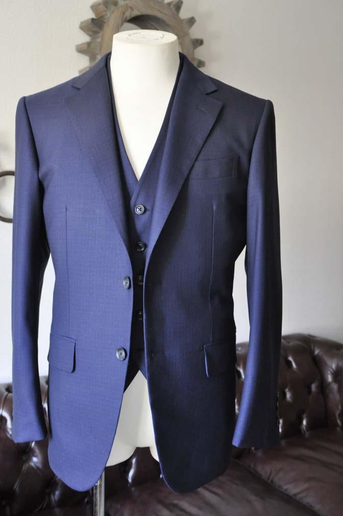 DSC0543-2 お客様のスーツの紹介-ネイビーチェックスリーピース-