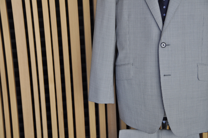 DSC0543-4 オーダースーツの紹介-Biellesi グレー千鳥格子スーツ-