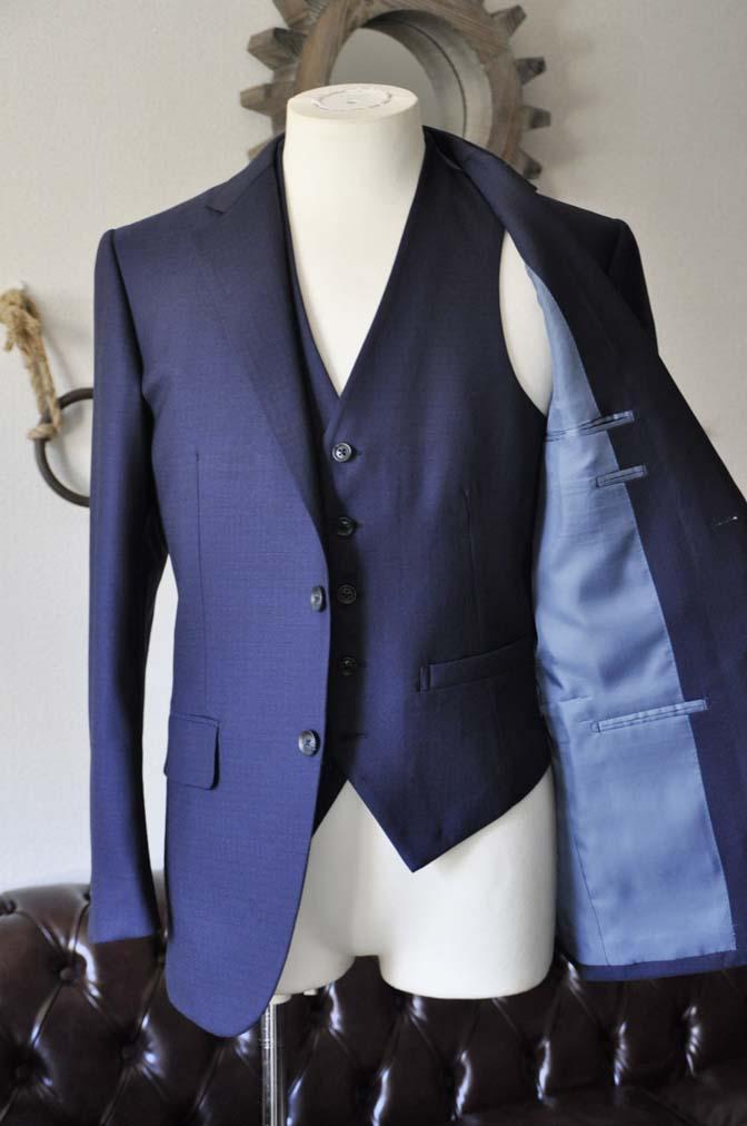 DSC0544-1 お客様のスーツの紹介-ネイビーチェックスリーピース-