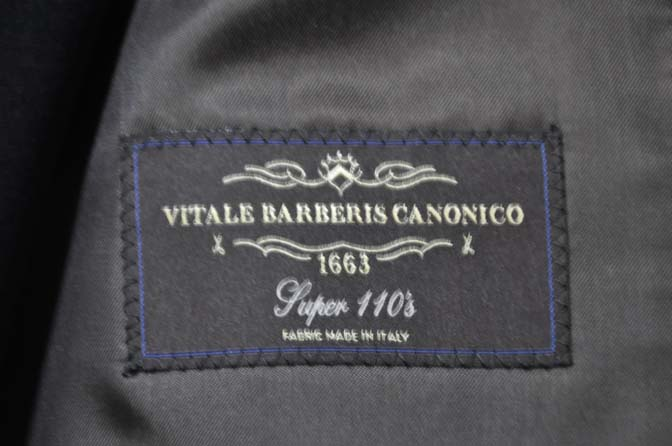 DSC0546-2 お客様のスーツの紹介- CANONICO 無地ネイビースリーピース-