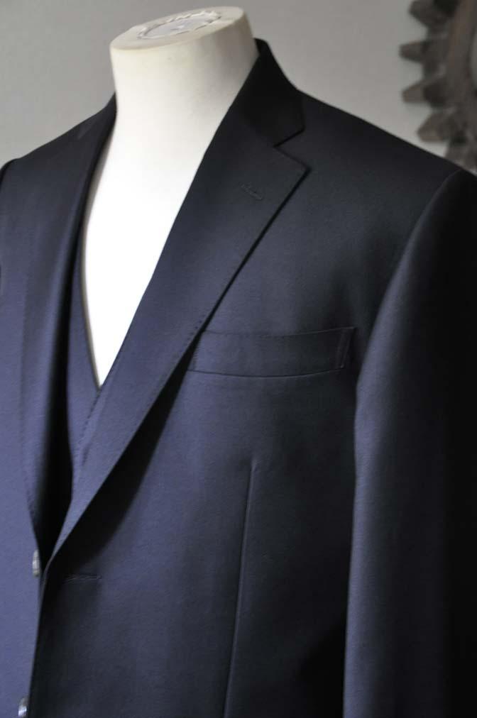 DSC0547-2 お客様のスーツの紹介- CANONICO 無地ネイビースリーピース-