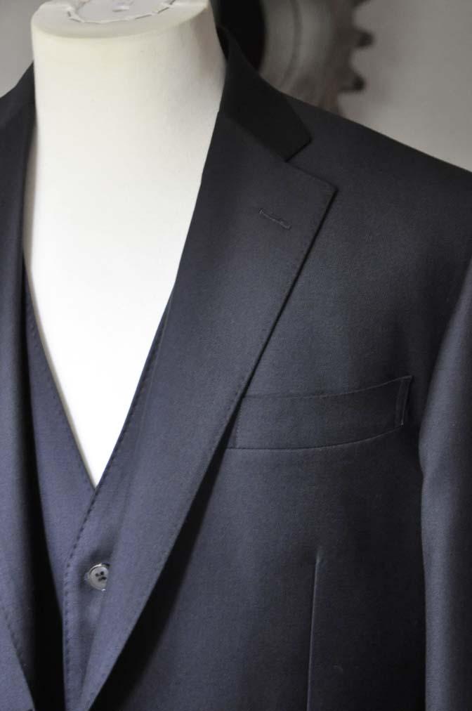 DSC0548-2 お客様のスーツの紹介- CANONICO 無地ネイビースリーピース-