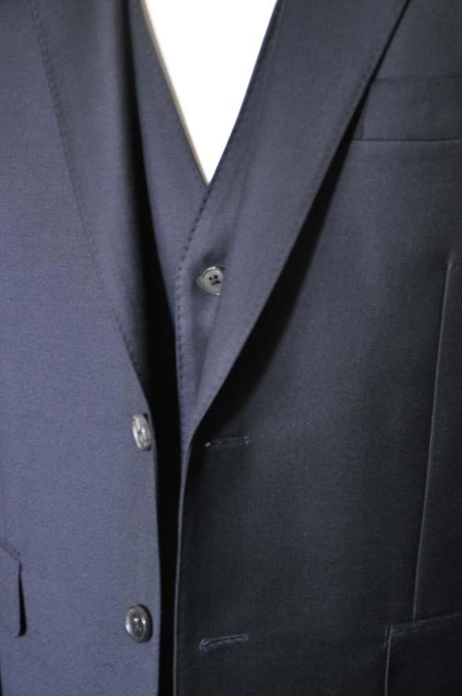 DSC0549-2 お客様のスーツの紹介- CANONICO 無地ネイビースリーピース-