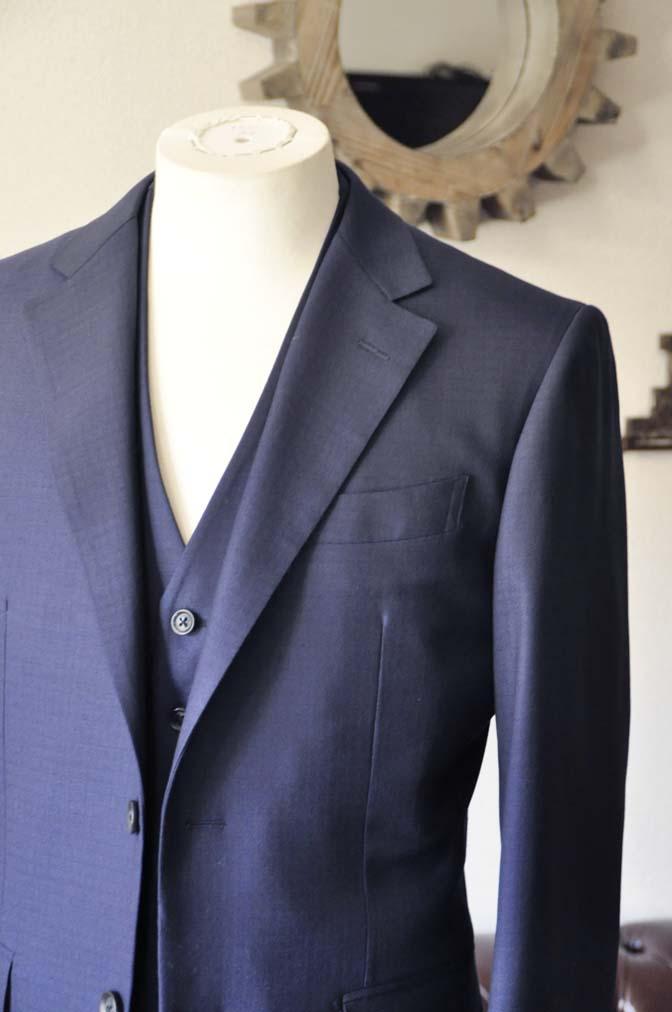 DSC0551-1 お客様のスーツの紹介-ネイビーチェックスリーピース-