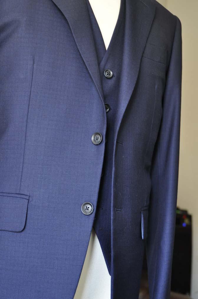 DSC0557-4 お客様のスーツの紹介-ネイビーチェックスリーピース-