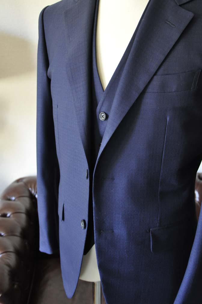 DSC0559-1 お客様のスーツの紹介-ネイビーチェックスリーピース-