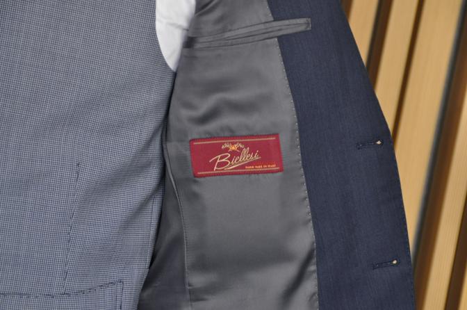 DSC0561-3 オーダータキシード(新郎衣装)の紹介-Biellesi無地ネイビーグレースーツ ブルー千鳥格子ベスト-