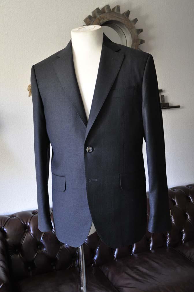 DSC0563-1 お客様のスーツの紹介- Canonico チャコールグレースーツ-