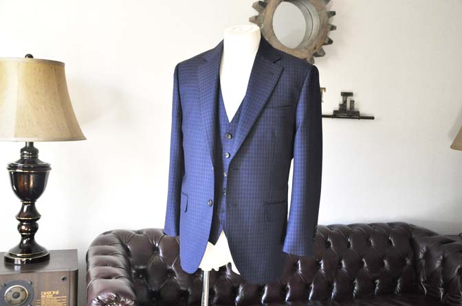 DSC0563-3 お客様のスーツの紹介-CANONICOネイビーチェック スリーピース-