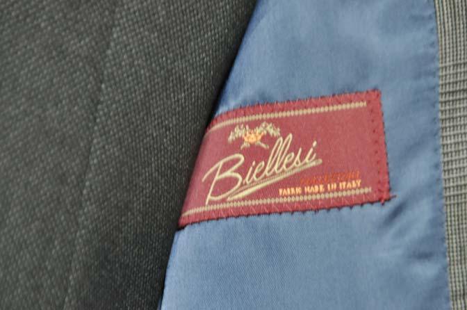 DSC0564-3 お客様のウエディング衣装の紹介-Biellesi グレンチェックジャケット バーズアイベスト・パンツ-