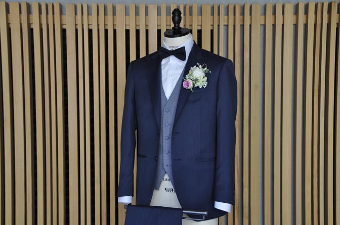 DSC0565-5 オーダータキシード(新郎衣装)の紹介-Biellesi無地ネイビーグレースーツ ブルー千鳥格子ベスト-