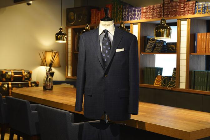DSC05691 オーダースーツの紹介-Biellesiネイビーチェック スーツ-