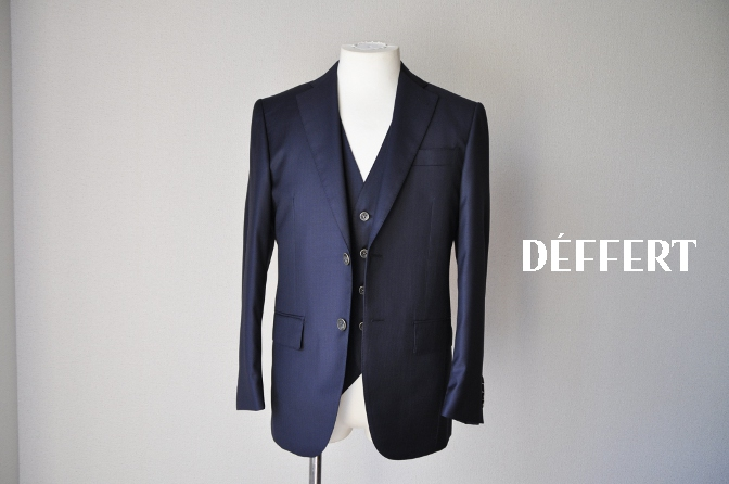 DSC05751 お客様のスーツの紹介-Pianceri 無地ネイビー スリーピース-