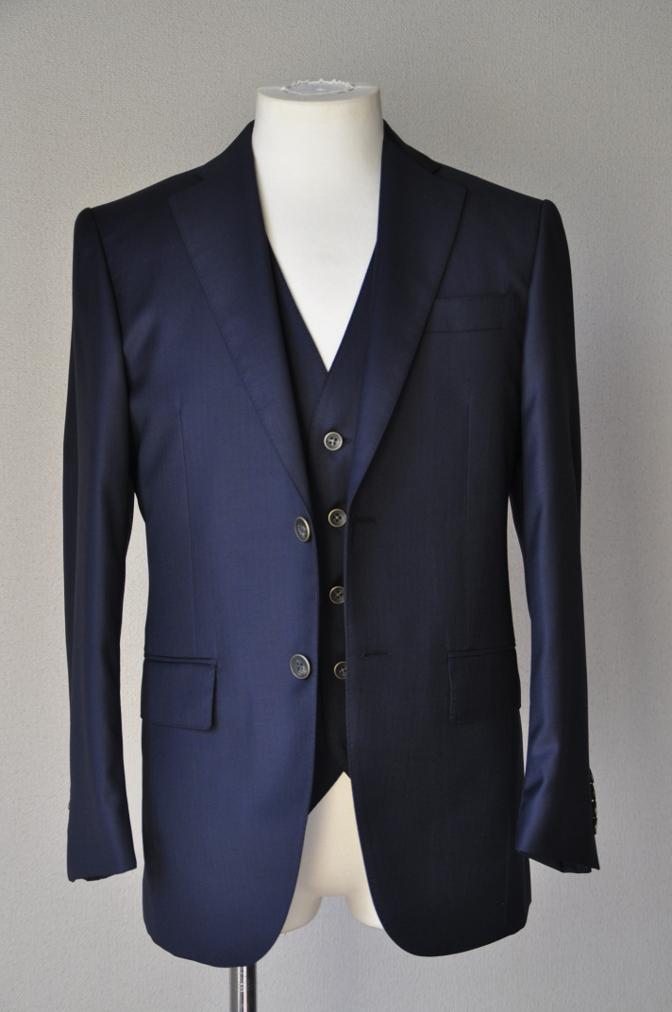 DSC05761 お客様のスーツの紹介-Pianceri 無地ネイビー スリーピース- 名古屋の完全予約制オーダースーツ専門店DEFFERT