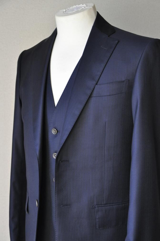 DSC05802 お客様のスーツの紹介-Pianceri 無地ネイビー スリーピース- 名古屋の完全予約制オーダースーツ専門店DEFFERT