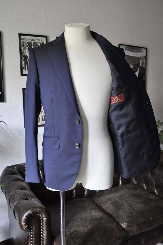 DSC05813 お客様のスーツの紹介-Biellesi 無地ネイビースーツ-