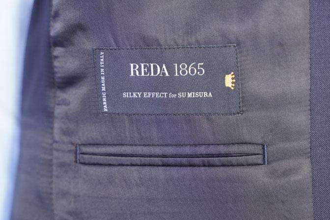 DSC05814 オーダースーツの紹介-REDA SILKY EFFECT無地ネイビースーツ-