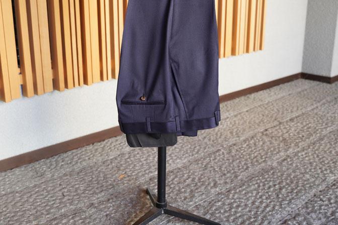 DSC05820 オーダースーツの紹介-REDA SILKY EFFECT無地ネイビースーツ-